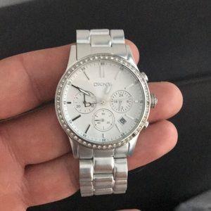 Dkny ladies metal strap watch silver
